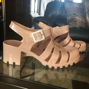 Rubber chunky sandals